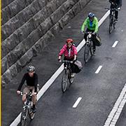 Aamupalaa pyöräilijöille Helsingissä