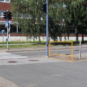 10. Pyöräilijän nojailukaide Koivuväylä, Vantaa